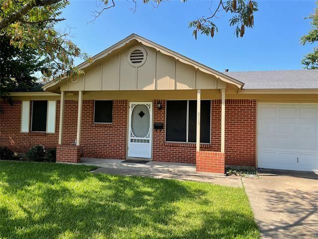 513 Renfro Street, Burleson, TX 76028 - #: 14664433