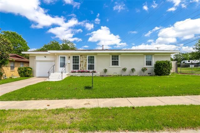 8328 Monmouth Drive, Fort Worth, TX 76116 - #: 14574435