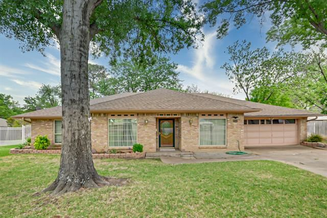 2001 Laughlin Court, Arlington, TX 76012 - #: 14555437