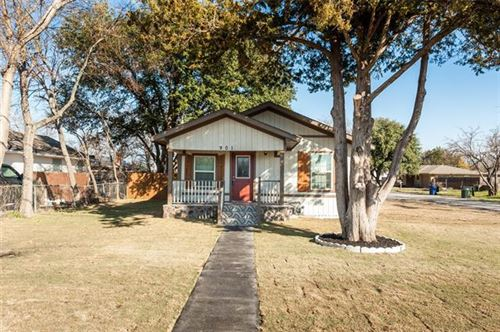 Photo of 901 Peach Street, Sanger, TX 76266 (MLS # 14281438)