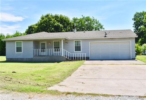 Photo of 1907 W Highway 82, Gainesville, TX 76240 (MLS # 14381455)