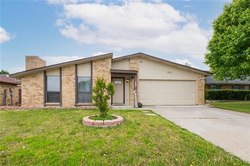 Photo of 2318 Pennington Drive, Arlington, TX 76014 (MLS # 14549456)