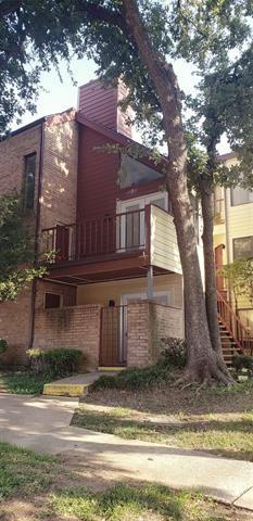 Photo of 2304 Balsam Drive #E208, Arlington, TX 76006 (MLS # 14605456)