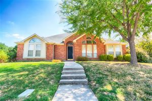 Photo of 2300 Creekview, Carrollton, TX 75006 (MLS # 14164457)