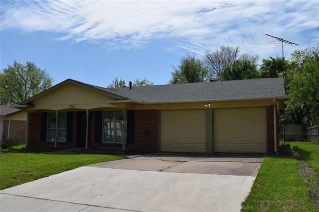 1310 Darlene Lane, Arlington, TX 76010 - #: 14342459