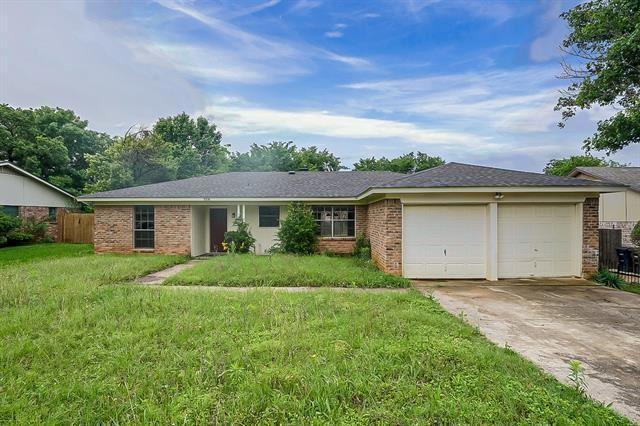 1008 Fox River Lane, Fort Worth, TX 76120 - #: 14585464