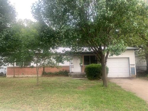 Photo of 781 Betty Lane, Hurst, TX 76053 (MLS # 14436465)