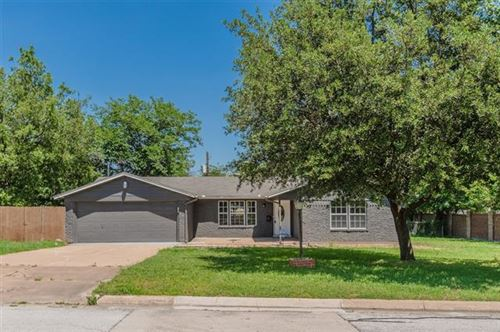 Photo of 4804 Maple Street, North Richland Hills, TX 76180 (MLS # 14347467)