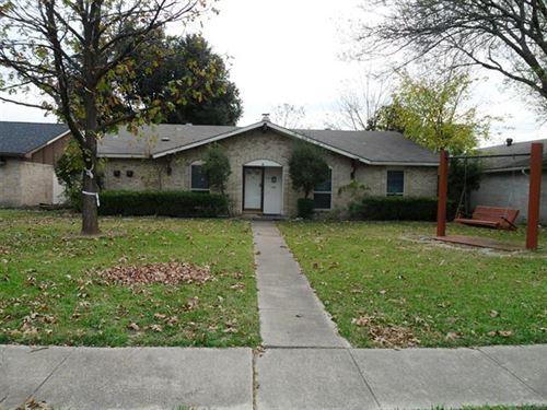 Photo of 300 Longshadow Lane, Mesquite, TX 75149 (MLS # 14476467)