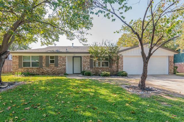 853 Dianna Avenue, Hurst, TX 76053 - #: 14449467