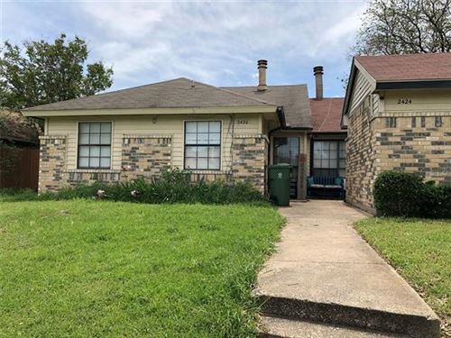Photo of 2424 E Timberview Lane, Arlington, TX 76014 (MLS # 14558468)