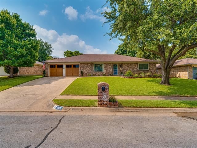 920 Timber View Drive, Bedford, TX 76021 - #: 14607470