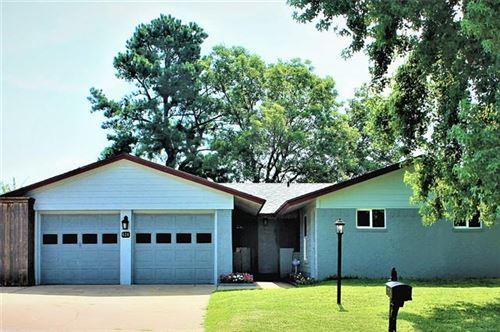 Photo of 624 S Hyde Park Avenue, Denison, TX 75020 (MLS # 14366480)