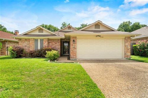 Photo of 3216 Laurel Oaks Court, Garland, TX 75044 (MLS # 14376483)