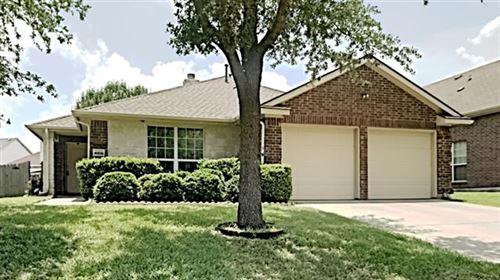 Photo of 4908 Kingfisher Lane, Mesquite, TX 75181 (MLS # 14601485)