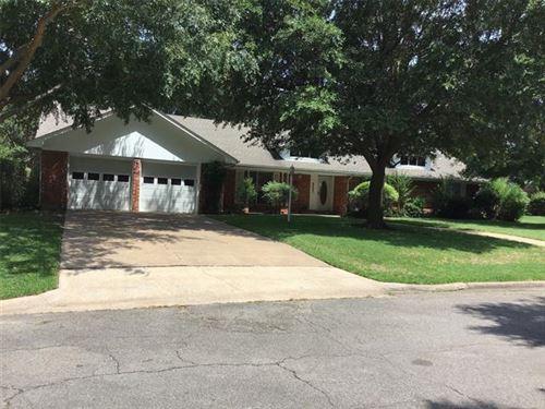 Photo of 6407 Chapman Drive, Greenville, TX 75402 (MLS # 14376487)