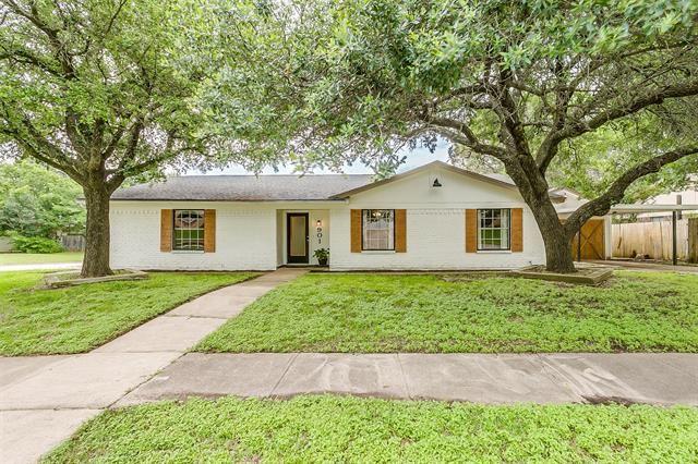 901 Willow Circle N, Burleson, TX 76028 - #: 14597488