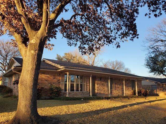 2021 Greenbriar Drive, Gainesville, TX 76240 - MLS#: 14478491