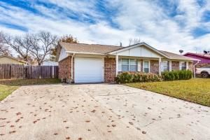 Photo of 1302 Rebecca Drive, Gainesville, TX 76240 (MLS # 14477494)
