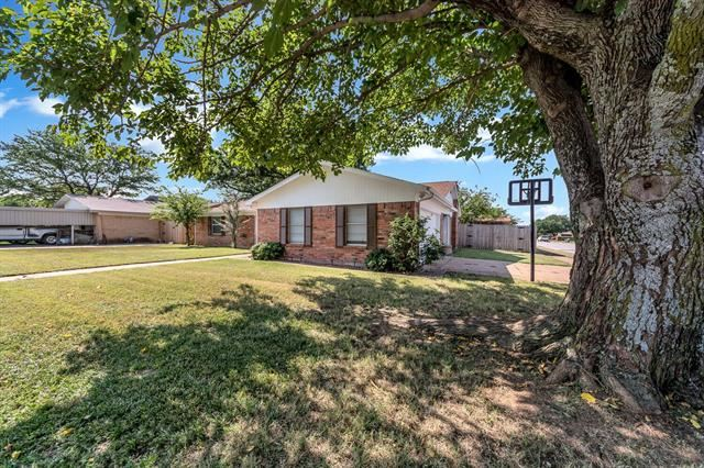 545 Mustang Drive, Saginaw, TX 76179 - #: 14636495