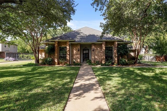 204 Woodbine Drive, Colleyville, TX 76034 - #: 14447497
