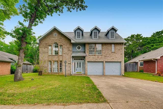 301 Arwine Drive, Hurst, TX 76053 - #: 14563497