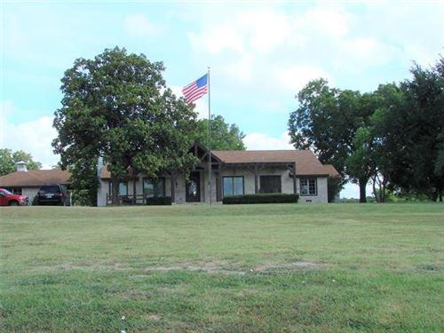 Photo of 551 E Audie Murphy Parkway, Farmersville, TX 75442 (MLS # 14393500)