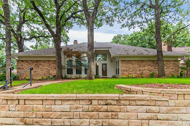 4004 Woodcastle Court, Arlington, TX 76016 - #: 14597501
