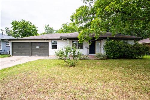 Photo of 1218 Belmont Street, Gainesville, TX 76240 (MLS # 14345503)