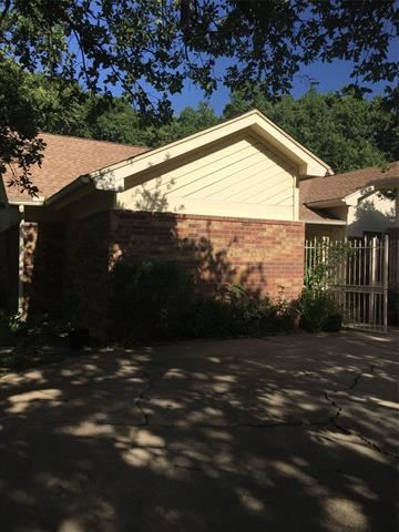 Photo of 4322 Willow Bend Drive, Arlington, TX 76017 (MLS # 14641505)