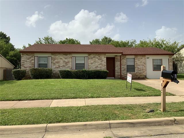 827 Edgemont Drive, Arlington, TX 76017 - #: 14375510