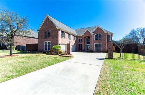 Photo of 303 Lovegrass Lane, Southlake, TX 76092 (MLS # 14299517)