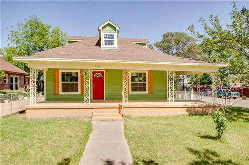 Photo of 2845 Lipscomb Street, Fort Worth, TX 76110 (MLS # 14335520)