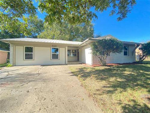 Photo of 513 Lakeshore Drive, Ennis, TX 75119 (MLS # 14694524)