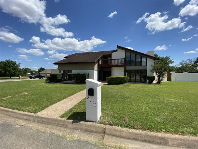 2016 Woodberry Drive, Fort Worth, TX 76112 - #: 14359524