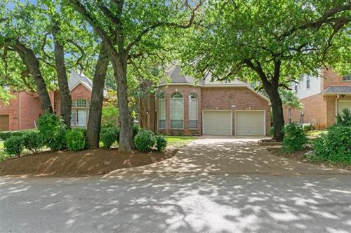 Photo of 1712 Hood Lane, Grapevine, TX 76051 (MLS # 14375527)