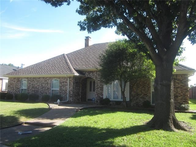 Photo for 2800 Bowie Drive, Plano, TX 75025 (MLS # 13952527)