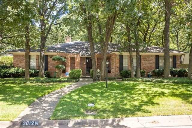 2012 N Meadow Way Circle, Arlington, TX 76015 - #: 14411527