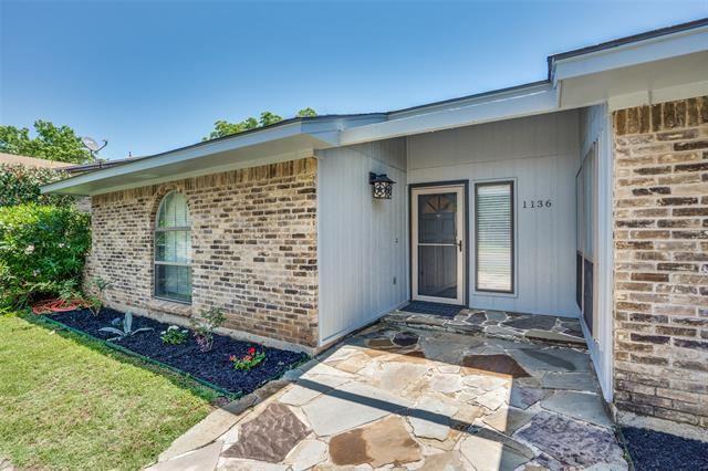 1136 Forest Ridge Drive, Bedford, TX 76022 - #: 14346531