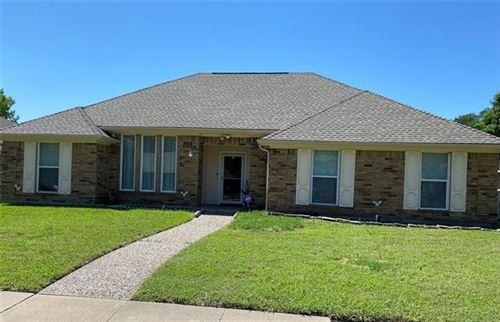 Photo of 306 Bellmeade, Garland, TX 75040 (MLS # 14574532)