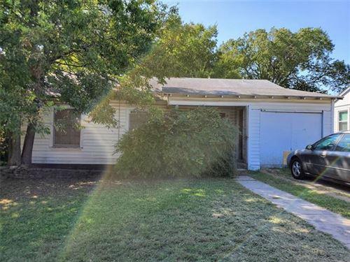 Photo of 812 S Brazos Street, Weatherford, TX 76086 (MLS # 14457534)