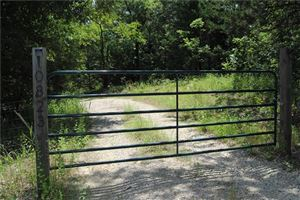 Photo of 10823 Lakeview Trail, Quinlan, TX 75474 (MLS # 14109535)