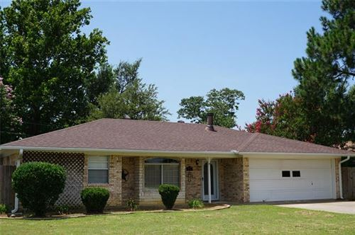 Photo of 114 Brookshear Drive, Whitesboro, TX 76273 (MLS # 14387536)