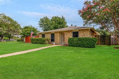 Photo of 6322 N Jim Miller Road, Dallas, TX 75228 (MLS # 14663540)