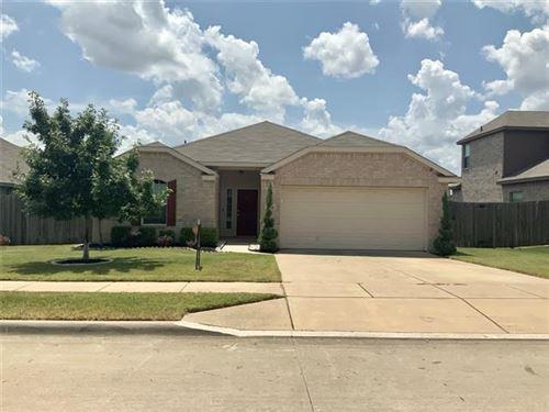 Photo of 409 Roundrock Lane, Fort Worth, TX 76140 (MLS # 14639542)