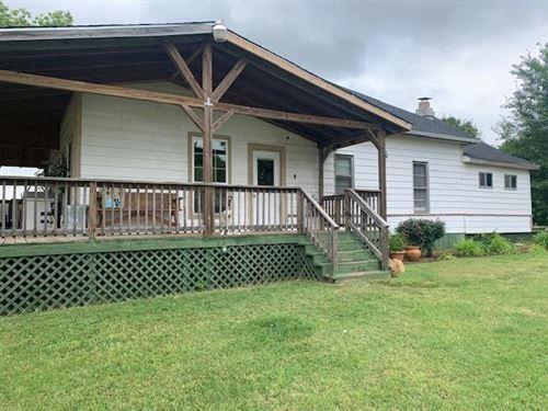 Photo of 1905 Rice Avenue, Gainesville, TX 76240 (MLS # 14345543)
