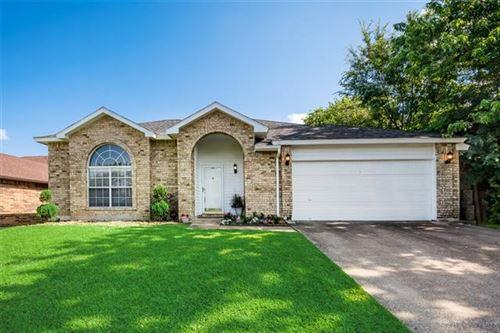 Photo of 1604 Barclay Drive, Arlington, TX 76018 (MLS # 14606544)