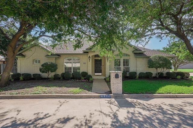 6133 Woodgarden Lane, Benbrook, TX 76132 - #: 14600545