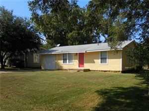 Photo of 212 E 1st Street, Quinlan, TX 75474 (MLS # 14187546)
