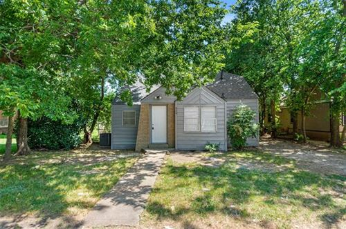 Photo of 620 W Sears Street, Denison, TX 75020 (MLS # 14368548)